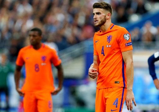 Hà Lan chơi quá tệ trên sân Stade de France