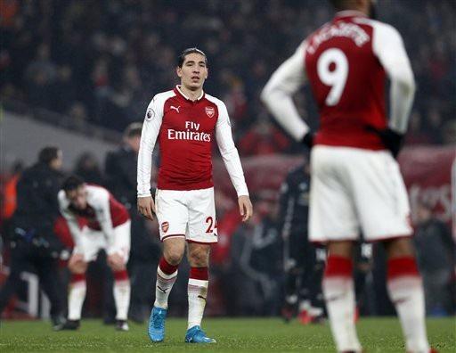 """Arsenal kém Man City 15 điểm: """"Pháo thủ"""" sớm tung cờ trắng - 2"""