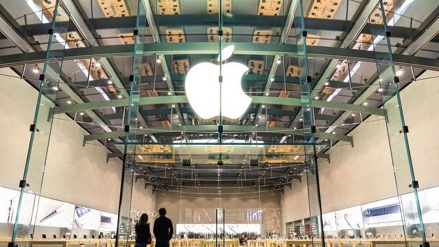 """Apple """"xâm lấn"""" lãnh thổ của Samsung - 1"""