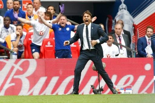Thi đấu thiếu người nhưng Chelsea đã bất ngờ gỡ hòa ở phút 76, bàn thắng của Costa khiến Conte đầy phấn khích