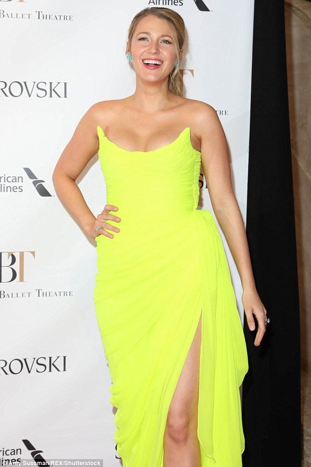 Blake Lively xinh đẹp, rạng rỡ dự sự kiện tại New York ngày 22/5 vừa qua