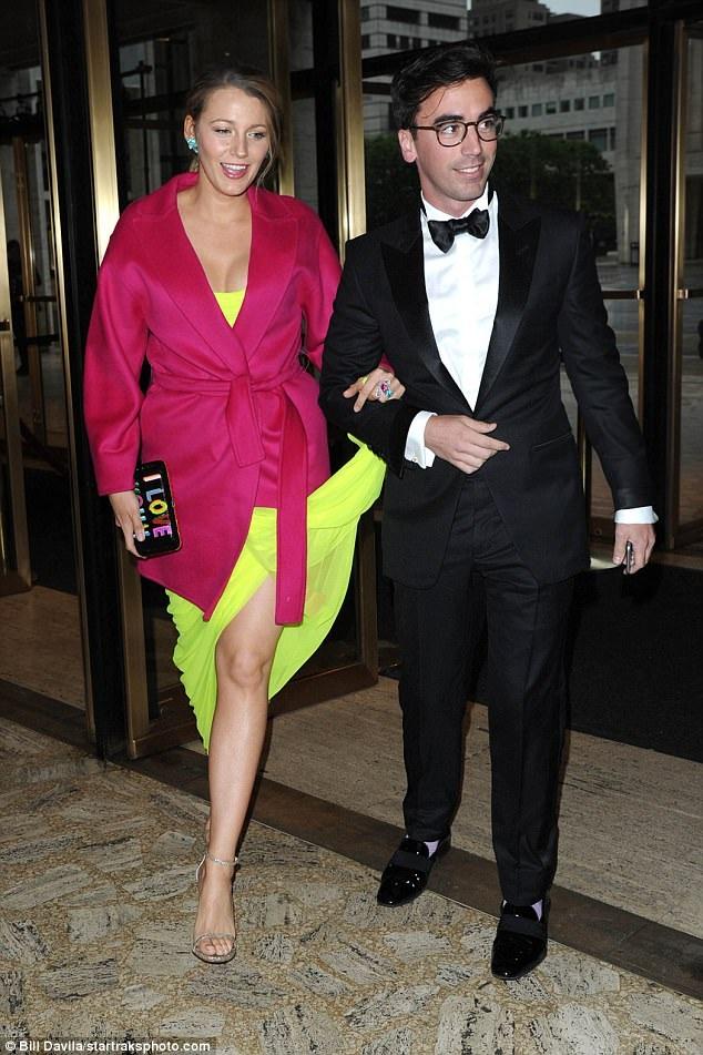 Vợ tài tử Ryan Reynolds dường như đẹp hơn kể từ khi sinh con thứ 2