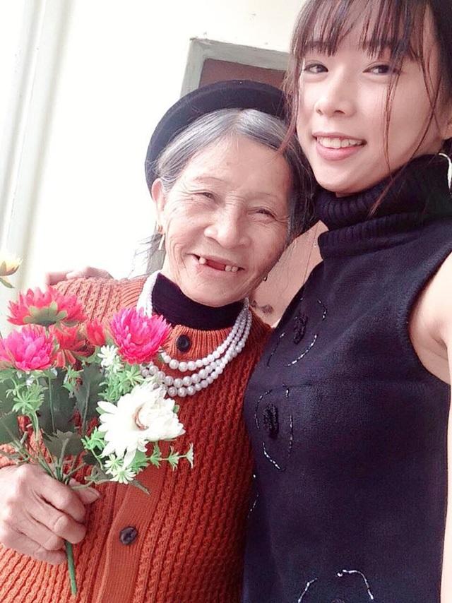 Hai bà cháu Nguyễn Thị Mơ, Nguyễn Thị Phượng