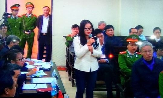 Bà Đặng Ngọc Lan (vợ Bầu Kiên) trả lời tại một phiên toà.