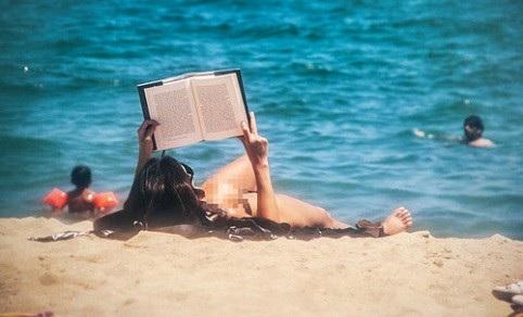 8 bãi biển khỏa thân nổi tiếng thế giới - 1