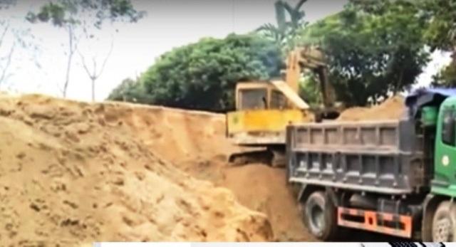 Bãi tập kết cát trái phép trên địa bàn xã Xuân Bái
