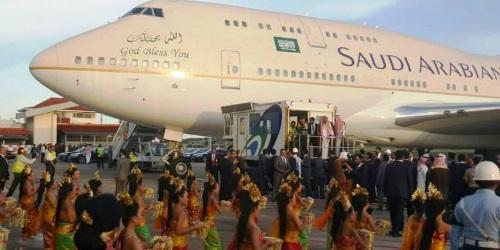 Nhà vua và đoàn tùy tùng đến Bali vào tháng 3/2017