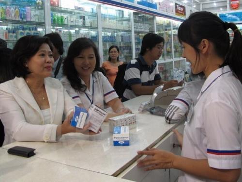 Mua thuốc không có đơn kê đẩy Việt Nam vào nguy cơ kháng thuốc (Ảnh minh họa)