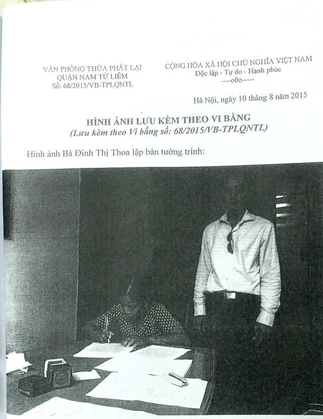Bà Đinh Thị Thoa lập vi bằng về việc đã chứng kiến việc ông Long dùng dao khống chế bà Lụa buộc viết giấy nợ 2,5 tỷ đồng.