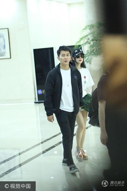 Lý Thần và Phạm Băng Băng bén duyên từ lần hợp tác chung trong bộ phim truyền hình Tân Võ Tắc Thiên. Đầu năm 2015, họ công khai quan hệ và nhận được sự chúc phúc của fan cũng như đồng nghiệp.