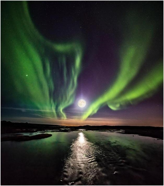 Bão địa từ có thể gây ra sự tàn phá, nhưng cũng ẩn giấu một trong những hình ảnh tuyệt đẹp nhất trên bầu trời, trong đó có cả Bắc cực quang.