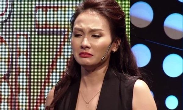 Nữ diễn viên thú nhận đôi khi tự ghét chính mình vì chuyện gì cũng có thể khóc được.