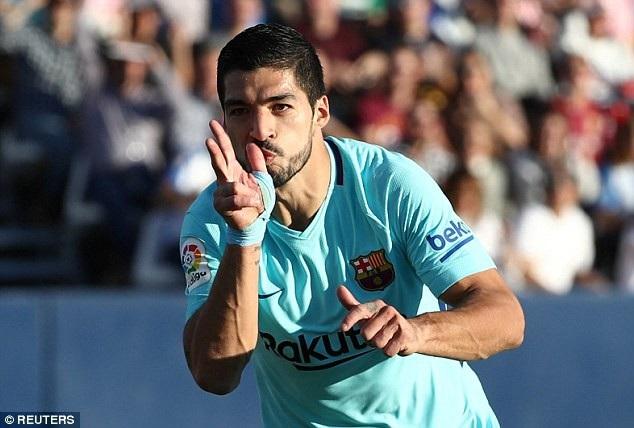 Luis Suarez tỏa sáng với một cú đúp