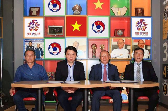 VFF chọn HLV Park Hang Seo làm HLV trưởng đội tuyển quốc gia giữa rất nhiều hồ nghi của dư luận