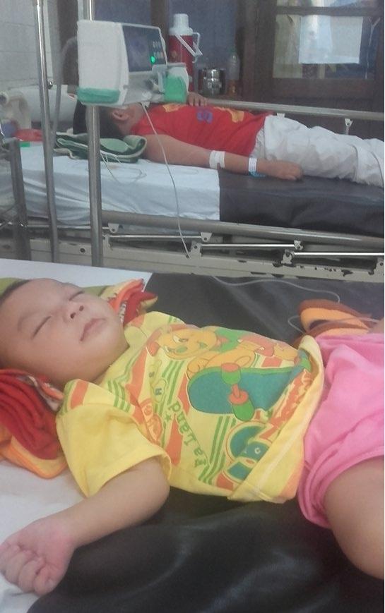 Kết quả xét nghiệm bé bị bại não dẫn đến nhiều bộ phận khác bất thường, dễ mắc bệnh khiến chị Loan suy sụp
