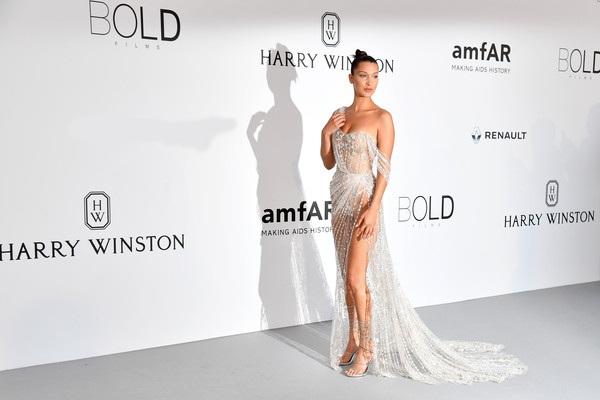 Bella Hadid đã tham dự rất nhiều sự kiện tại LHP Cannes năm nay