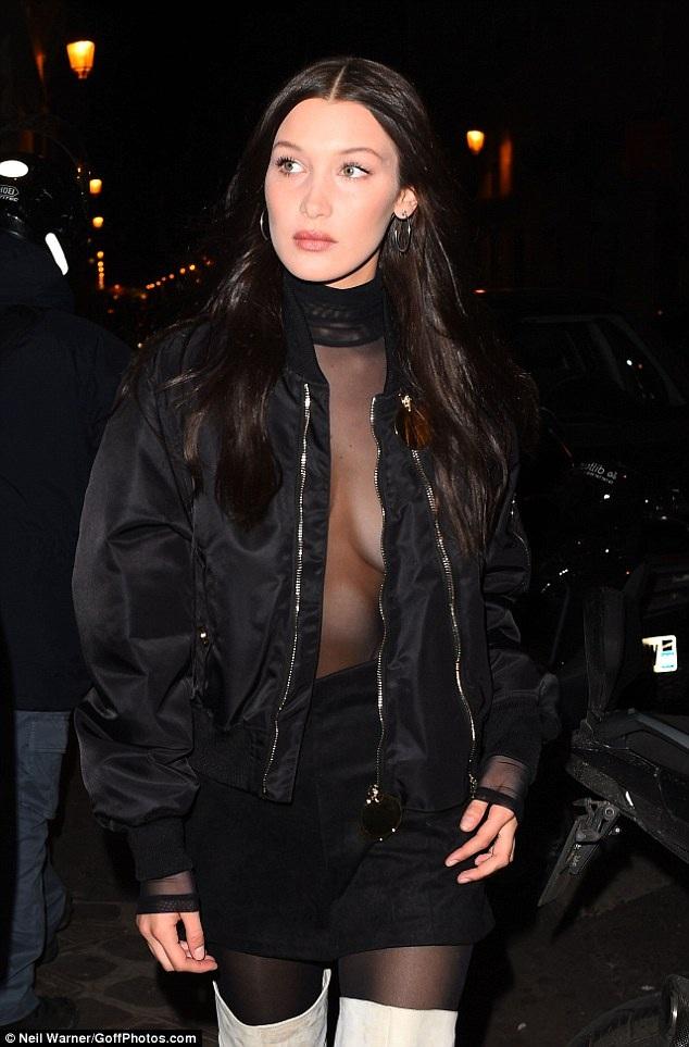 Siêu mẫu 21 tuổi tới đây dự tuần lễ thời trang Paris danh tiếng