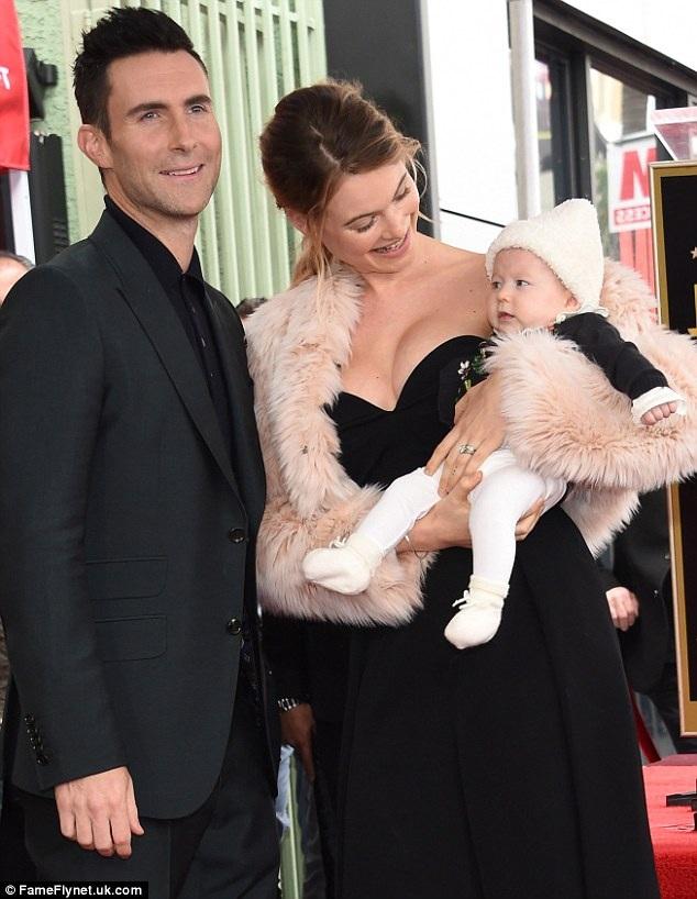 Tháng 2/2017, Adam Levin nhận sao trên đại lộ danh vọng và vợ con anh đều có mặt để chúc mừng.