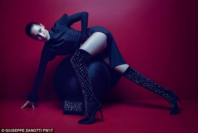 Em gái siêu mẫu Gigi Hadid là một trong những chân dài đắt show nhất thế giới hiện nay