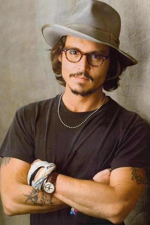 Johnny Depp một thời cũng là biểu tượng nhan sắc của các tài tử Hollywood
