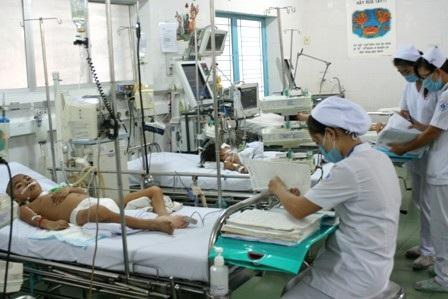 Hơn 7.700 ca sốt xuất huyết và tay chân miệng đã phải nhập viện điều trị trong 4 tháng đầu năm