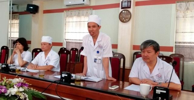 Ban giám đốc Bệnh viện đa khoa trung ương Thái Nguyên trao đổi thông tin về vụ trục lợi BHYT