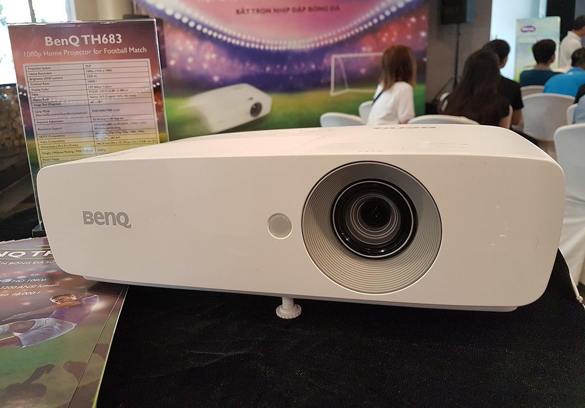 BenQ giới thiệu mẫu máy chiếu dành cho dân mê bóng đá - 1