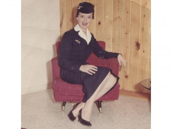 Bà Bette Nash trong trang phục hàng không của hãng Eastern Air Line khi còn trẻ