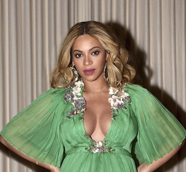 Beyonce Knowles cho con gái cưng diện váy gần 600 triệu đồng đi dự tiệc - 5