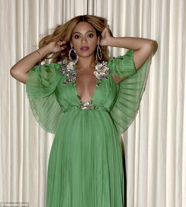 Mang thai song sinh khiến Beyonce tăng cân đáng kể nhưng cô vẫn rất quyến rũ.