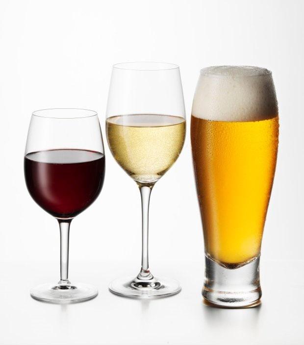 Mặc dù các loại đồ uống khác cũng sẽ có hiệu quả, nhưng bia đặc biệt dễ biến thành nhiên liệu.