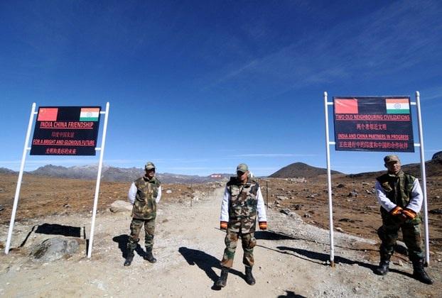 Binh sĩ Ấn Độ tại khu vực biên giới (Ảnh: AFP)