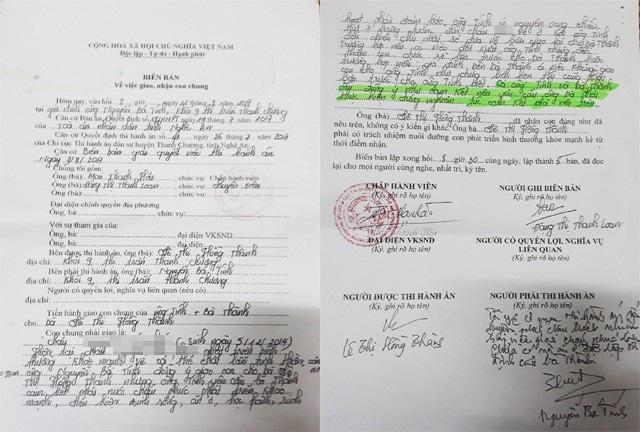 Biên bản về việc giao, nhận con chung giữa ông Tính và bà Thành được Chi cục Thi hành án dân sự huyện Thanh Chương lập ngày 11/8/2017