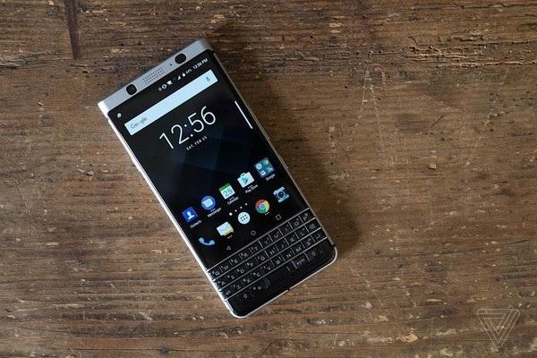 BlackBerry KeyOne có thiết kế không thay đổi so với nguyên mẫu BlackBerry Mercury trước đây