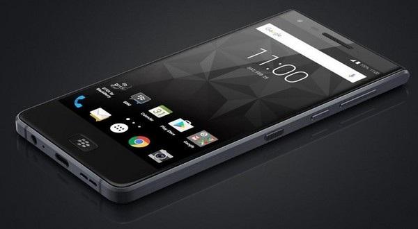 Hình ảnh của BlackBerry Motion, chiếc smartphone chống nước đầu tiên của BlackBerry, vừa bị rò rỉ