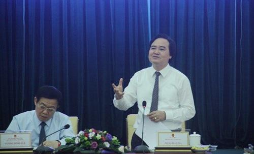 Bộ trưởng Bộ GD&ĐT Phùng Xuân Nhạ phát biểu tại buổi làm việc với Đoàn Khảo sát Ban chỉ đạo nhà nước về xây dựng đề án đổi mới cơ chế quản lý, cơ chế tài chính, tổ chức lại hệ thống các đơn vị sự nghiệp công lập