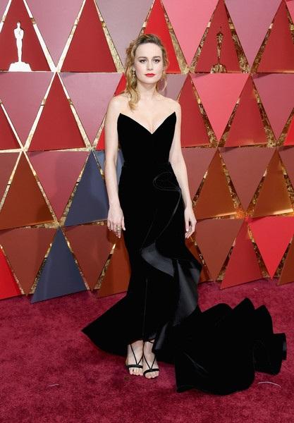 Brie Larson tinh tế trong bộ váy của Oscar de la Renta