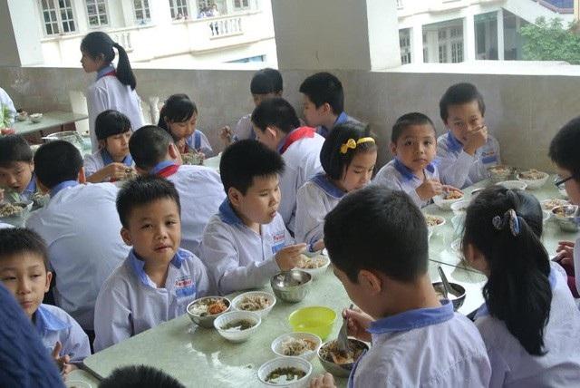 Sở GD&ĐT yêu cầu tăng cường phát huy vai trò giám sát thường xuyên và đột xuất của Ban đại diện cha mẹ học sinh và ban chỉ đạo trong việc phối hợp tổ chức bữa ăn bán trú (ảnh minh họa)