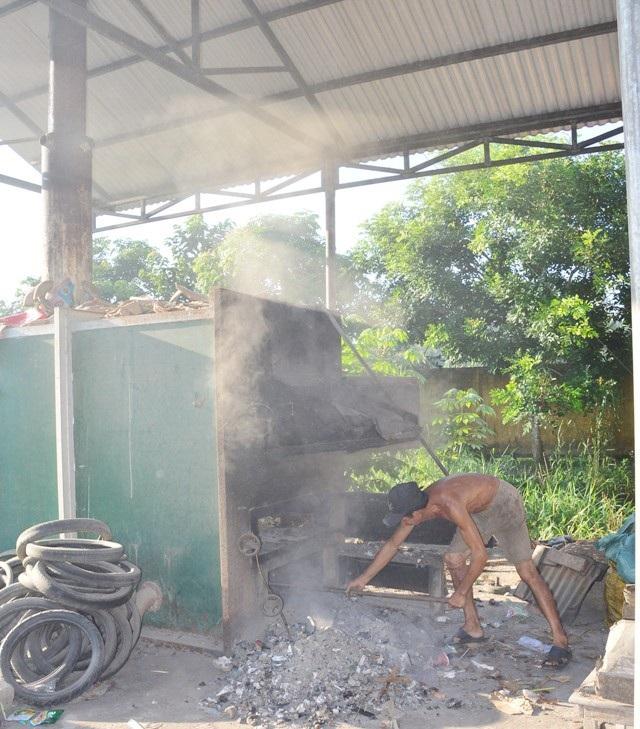... và lò đốt rác ở huyện Long Phú hiện đã tạm ngưng hoạt động.