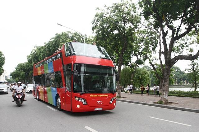 Xe buýt 2 tầng được thí điểm từ cuối tháng 6 tại Hà Nội (ảnh: Việt Hưng)
