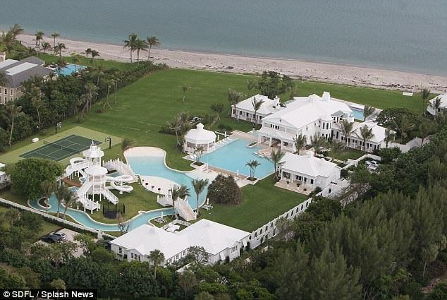 Celine Dion cuối cùng cũng bán được siêu biệt thự ở Florida, Mỹ sau 4 năm rao bán