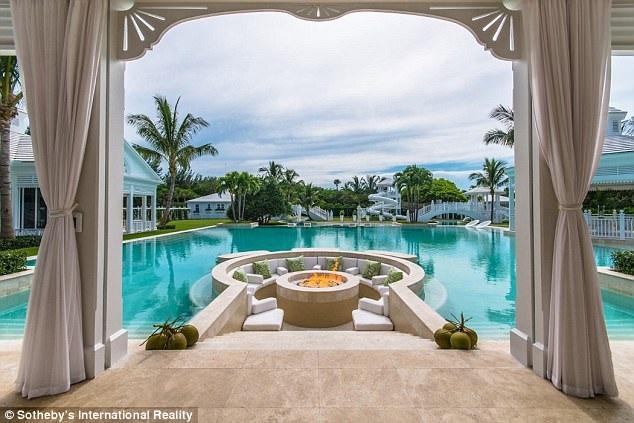 Ngắm siêu biệt thự mà Celine Dion bán chịu lỗ - 15