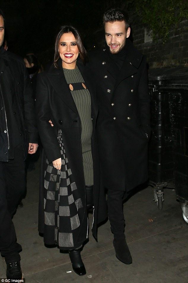 Cheryl khi bầu bí với bạn trai Liam Payne - 1 người kém cô 10 tuổi