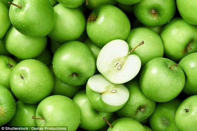Người hút thuốc lá nên ăn táo, cà chua mỗi ngày - 1