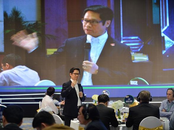 Ông Vũ Tiến Lộc - Chủ tịch VCCI chủ trì tọa đàm Cà phê doanh nhân trong khuôn khổ lễ công bố PCI 2016