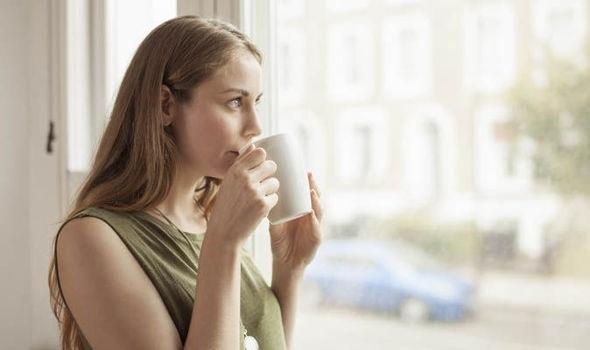 Điều gì sẽ xảy ra nếu uống cà phê khi chưa ăn sáng? - 1