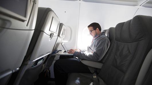 Laptop sẽ không được phép lên khoang hành khách trong các chuyến bay quốc tế tới và đi từ Mỹ.