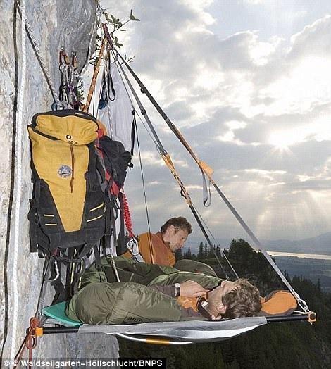 Hang Sơn Đoòng được bình chọn là một trong những điểm cắm trại lý tưởng nhất - 7