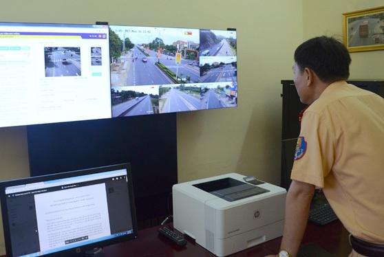 Những hình ảnh vi phạm giao thông sẽ được hệ thống camera ghi lại và truyền về các trung tâm giám sát