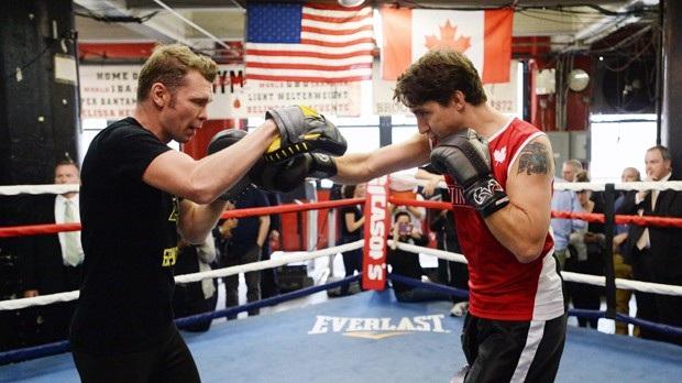Thủ tướng Canada so găng trong trận đấu quyền anh ở Mỹ (Ảnh: The Canadian Press )